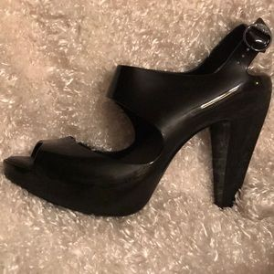 Melissa Black peek toe sling back 8.5
